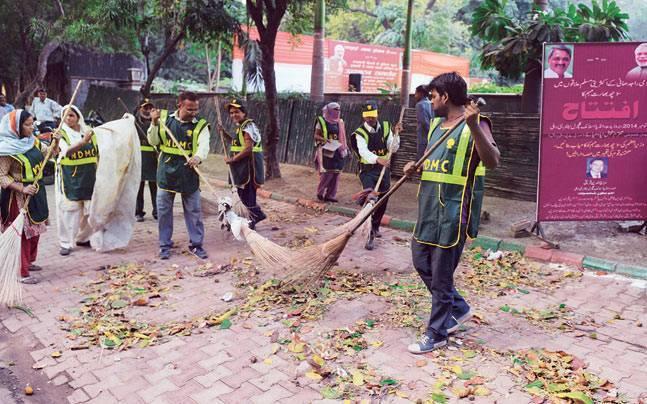 Delhi High Court: MCDs Reprimanded and Streamlined over safai karamcharis jobs