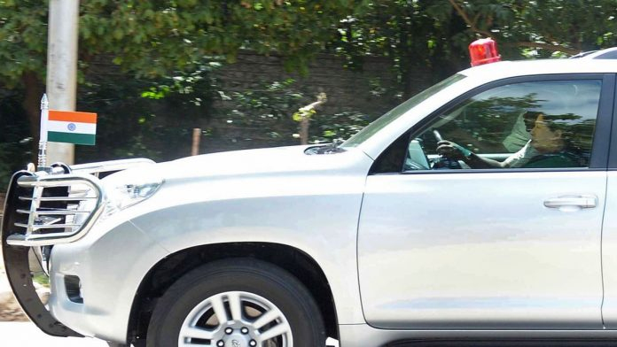 Delhi HC Asks Governments To Provide Protocols Regarding Lack Of Registration Numbers In Dignitaries Cars