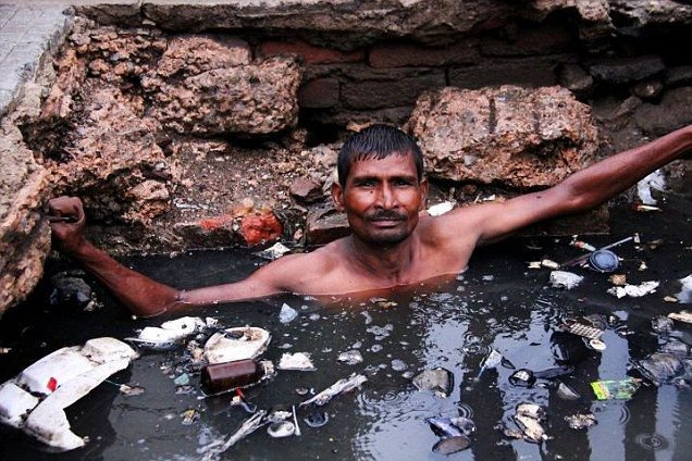 Family Of Deceased Manual Scavengers To Be Given 10L Compensation, Directed Delhi High Court To DSIIDC