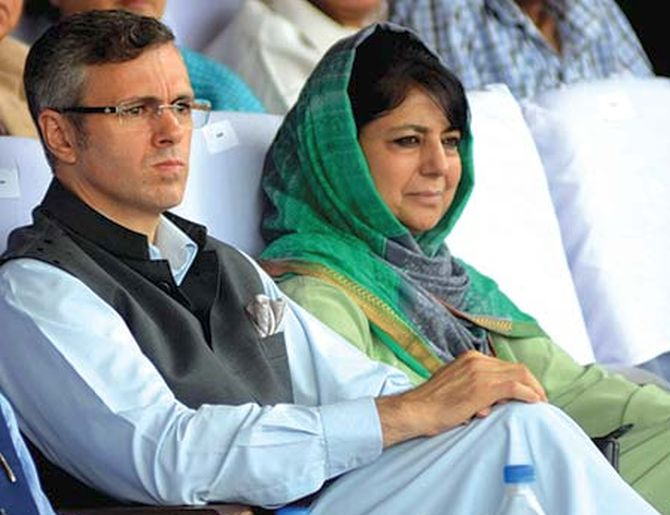 Former J&K CMs Mehbooba Mufti and Omar Abdullah arrested under PSA